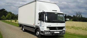 7.5 Tonne Truck with Tail Lift